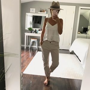 Current Elliott beige mid rise chino pants size 24